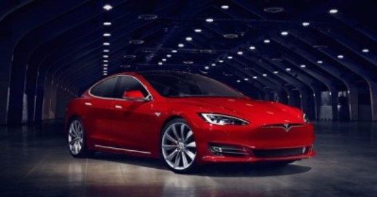 Tesla создаст музыкальный сервис