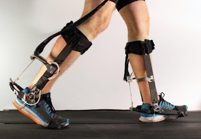Экзоскелет автоматически приспосабливается к шагам ходока - 4