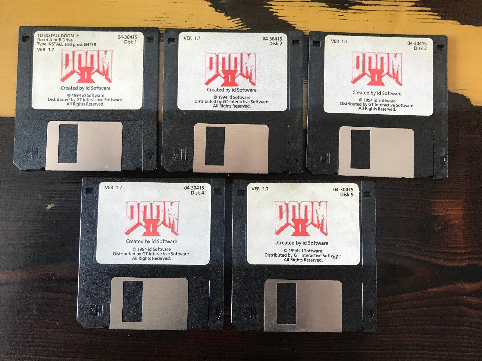 Джон Ромеро продал оригинальные дискеты с Doom II на eBay за $3000 - 1