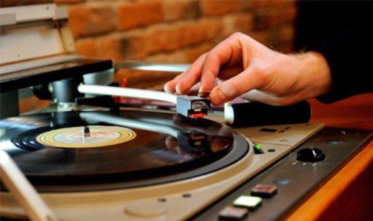 Sony возобновляет производство виниловых пластинок