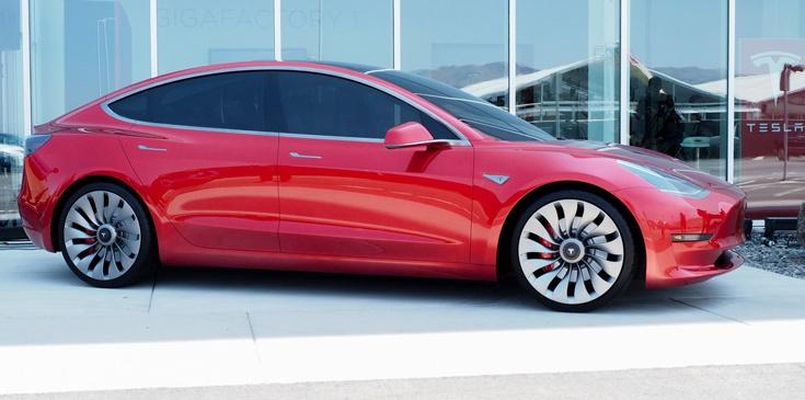 К декабрю объем выпуска Tesla Model 3 должен достичь 20 000 штук в месяц