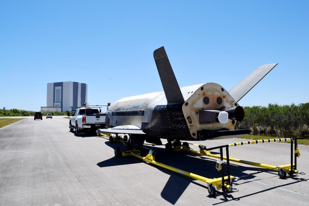 ВВС США выбирает SpaceX для пятого полета космоплана X-37B - 2