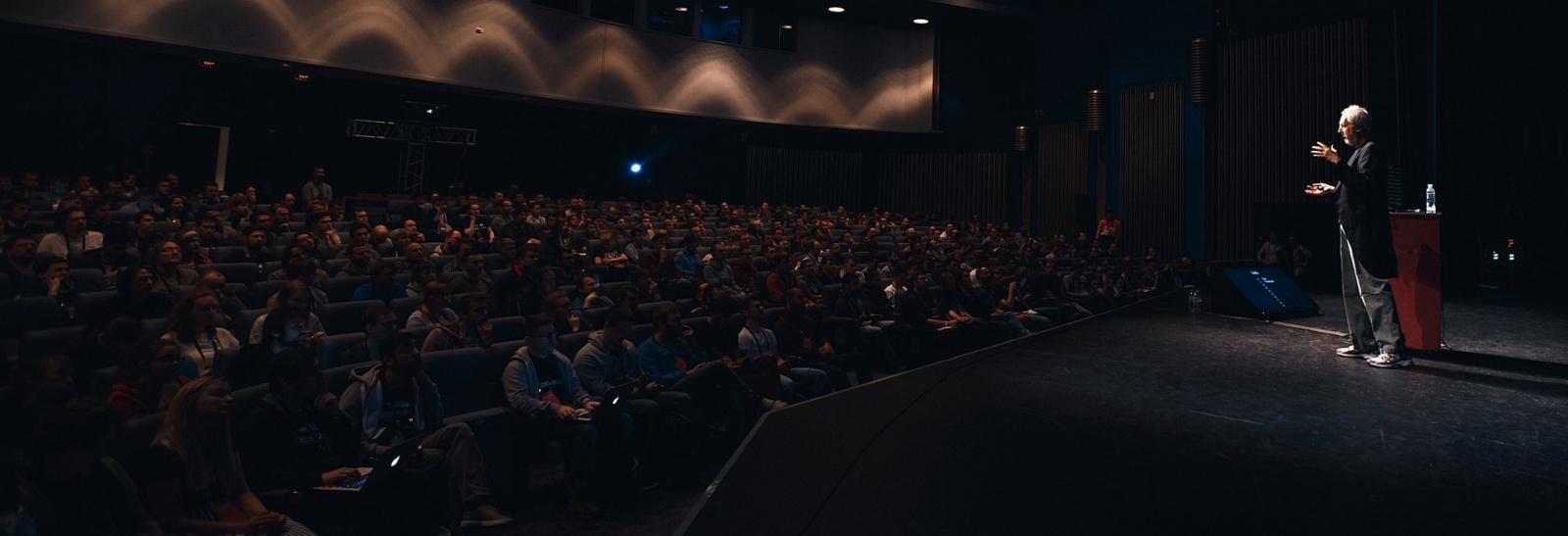 Анонс конференции HolyJS 2017 Moscow: Два дня чистого JS - 1