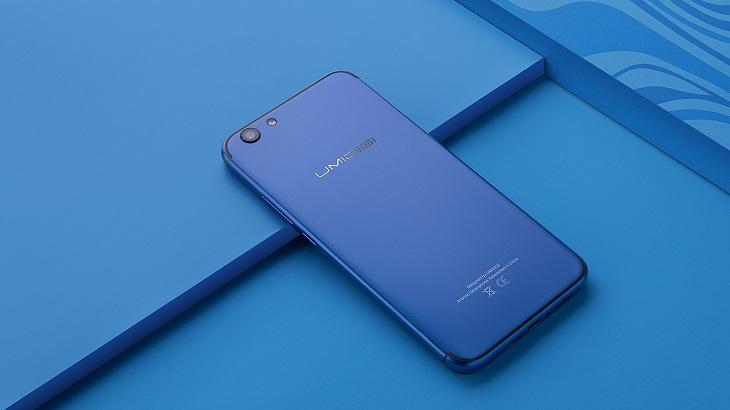 Конструкция смартфона Umidigi C Note 2 сочетает поликарбонат с алюминиевым сплавом