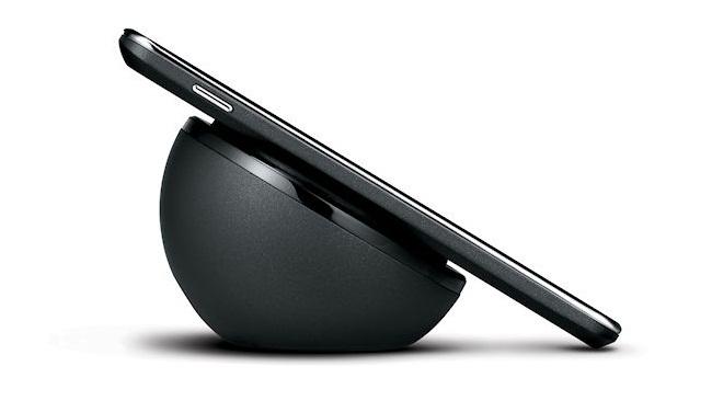 Беспроводные зарядные станции для новых iPhone появятся не сразу