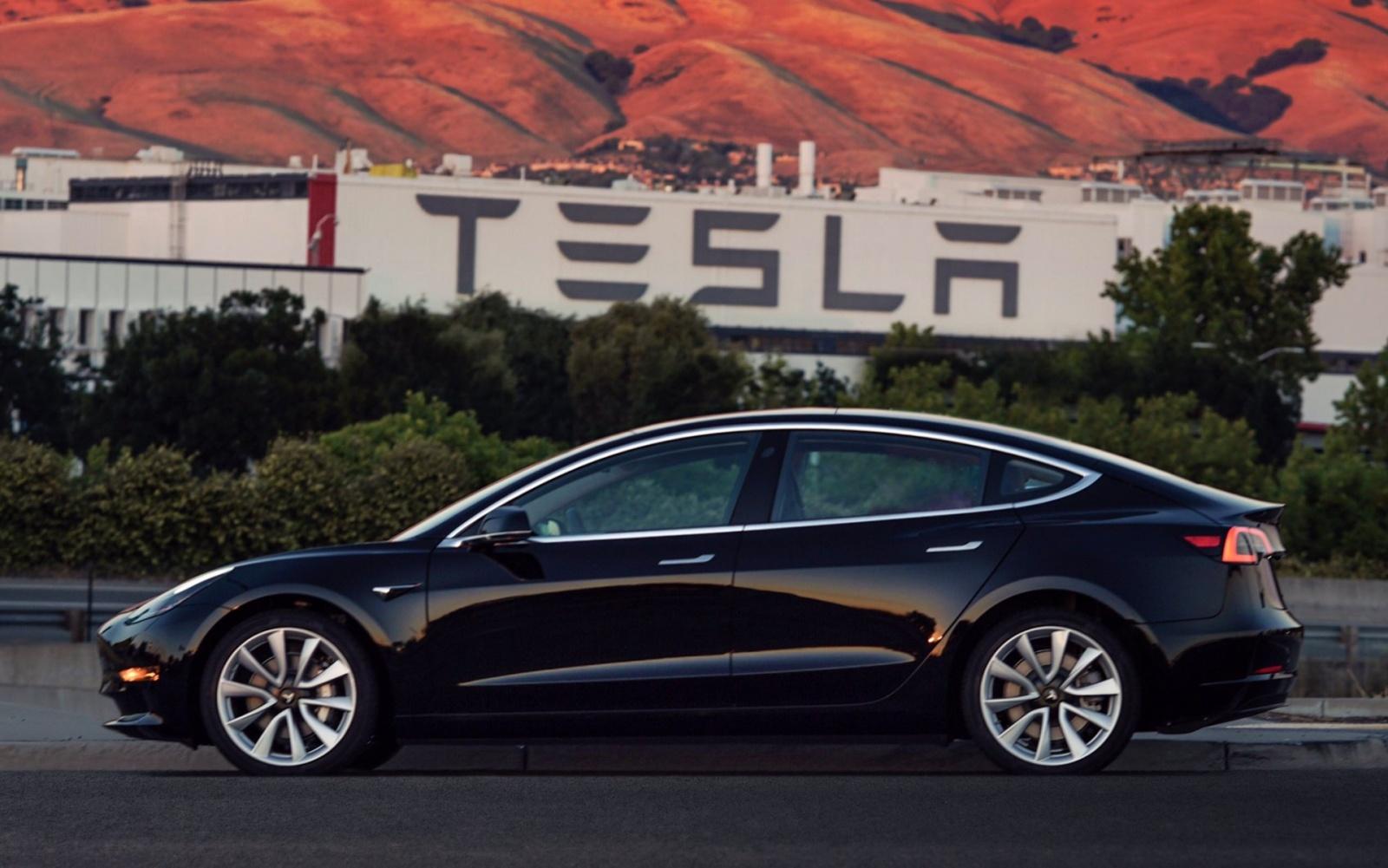 Началось серийное производство Tesla Model 3 - 4
