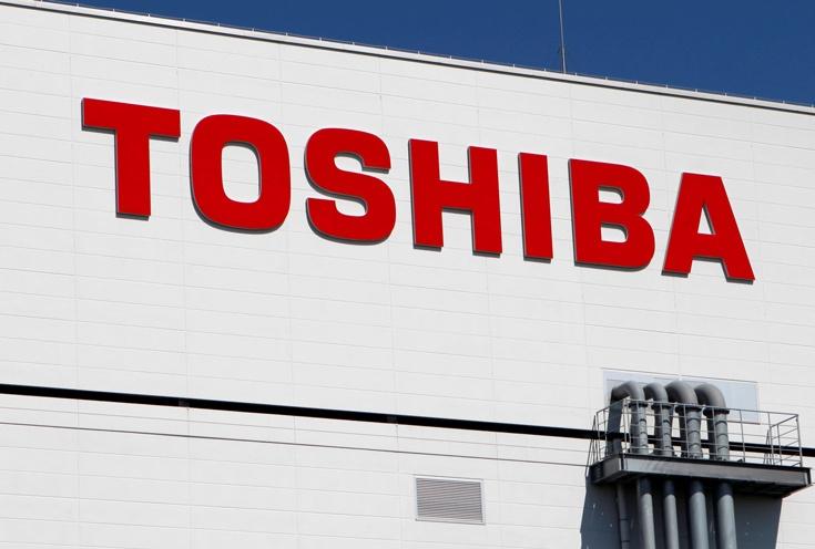 Попытка Toshiba продать полупроводниковое производство выбранному ранее покупателю застопорилась