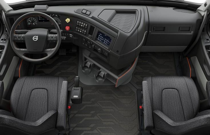 Грузовики Volvo VNL оснащены системой с Apple CarPlay