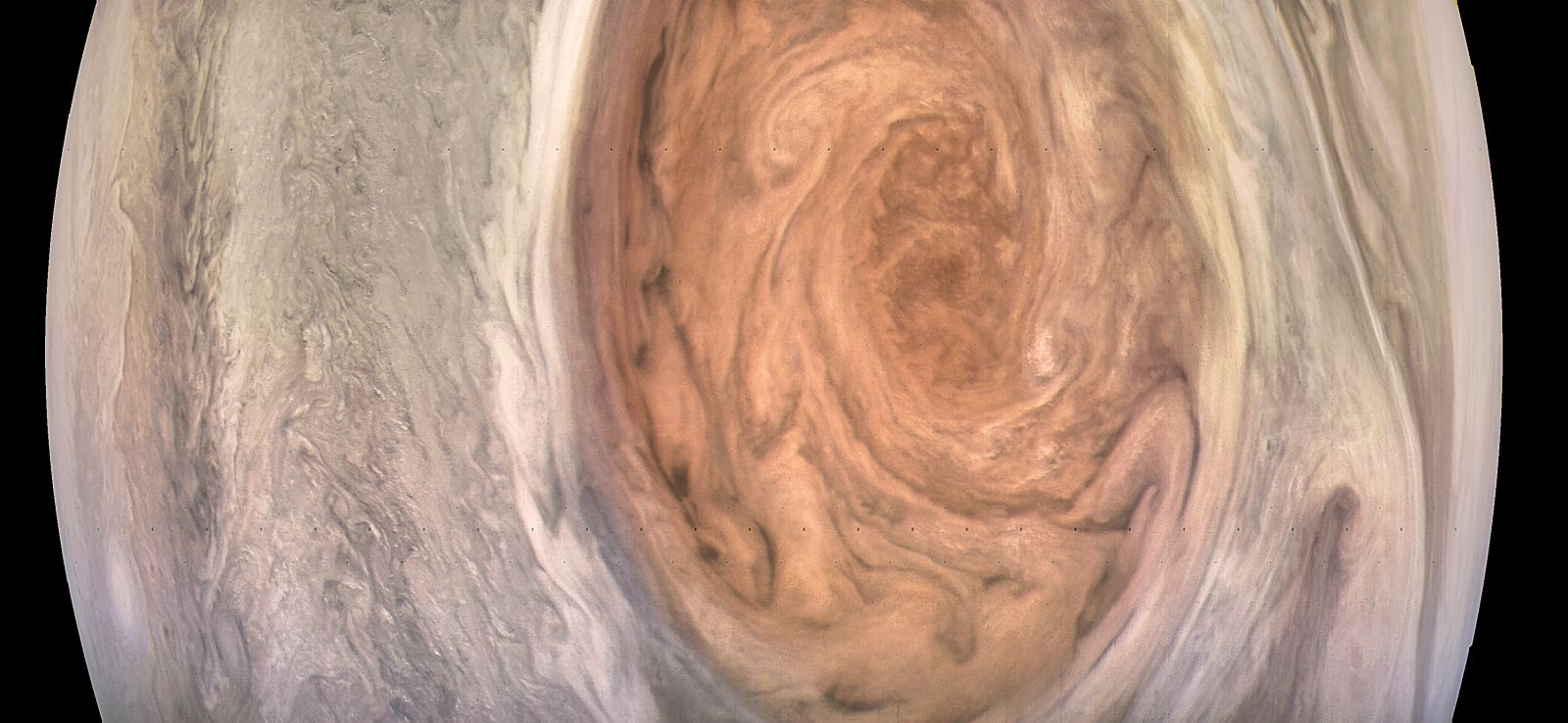 Космический зонд Juno прислал детальные снимки Большого красного пятна Юпитера - 2