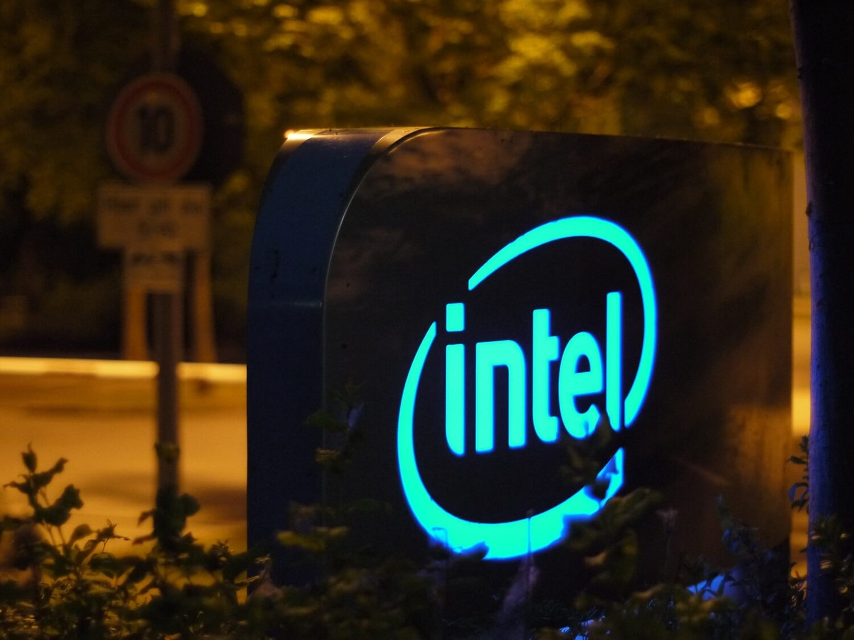 Вышел первый накопитель на 64-слойной 3D TLC NAND от компании Intel - 1
