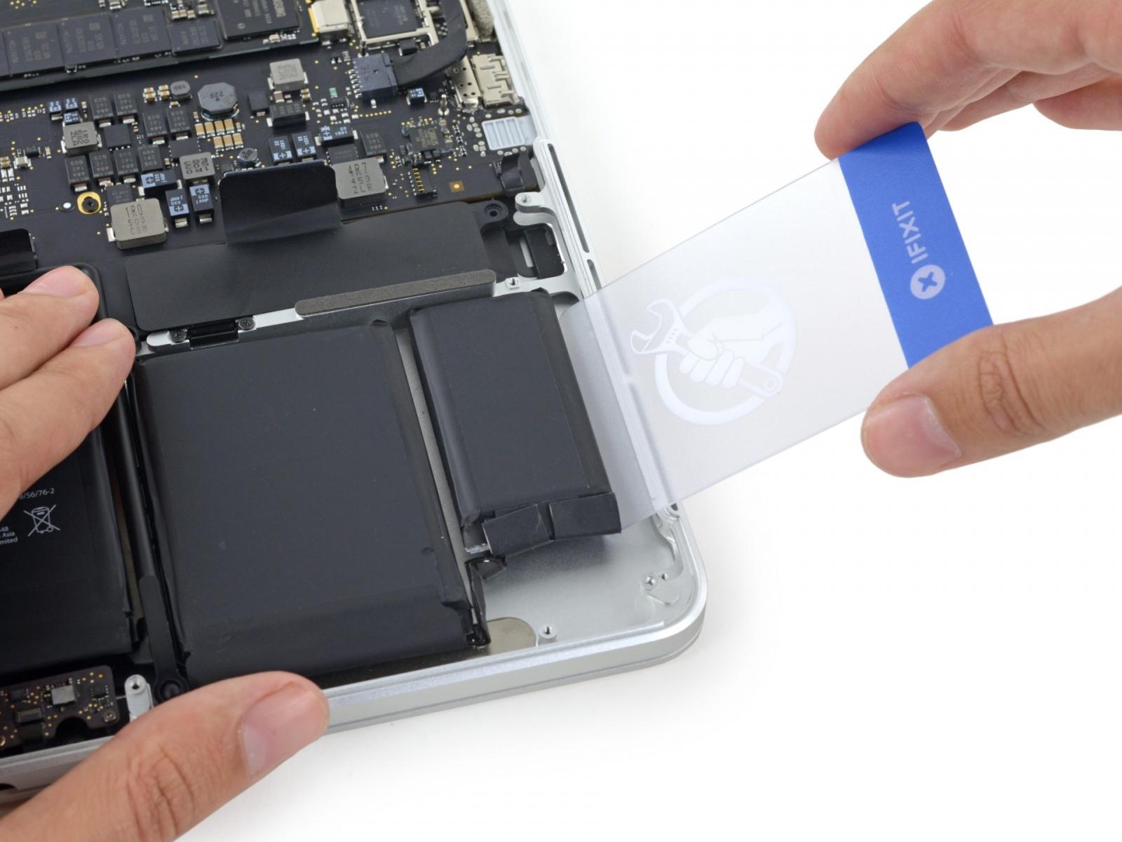 Найден растворитель для клея, которым приклеиваются батареи MacBook Pro - 3