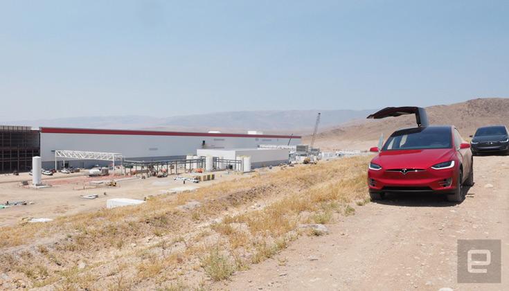 Сроки постройки новых фабрик Маск не назвал