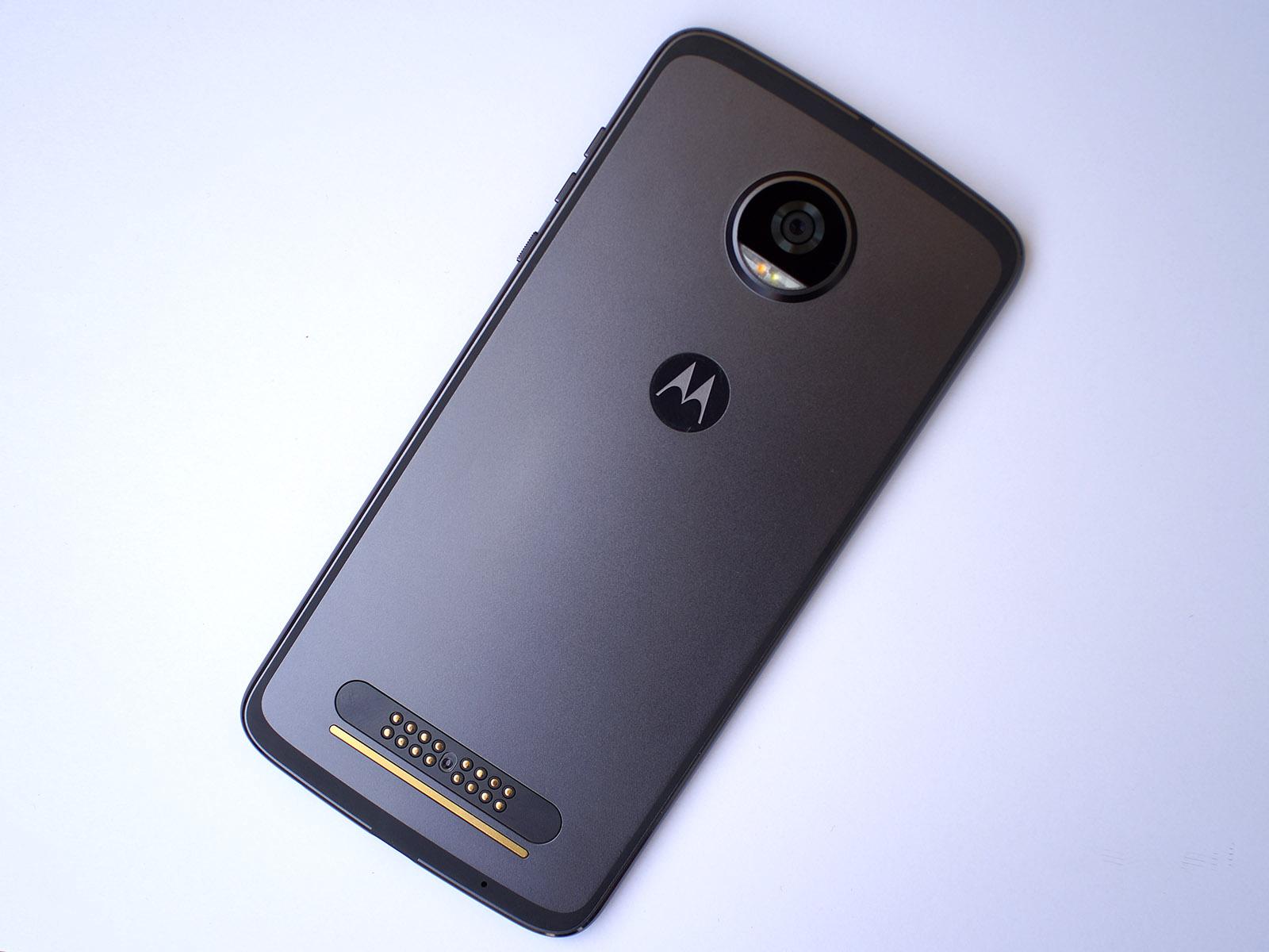 Обзор Moto Z2 Play: долгожданное обновление - 3