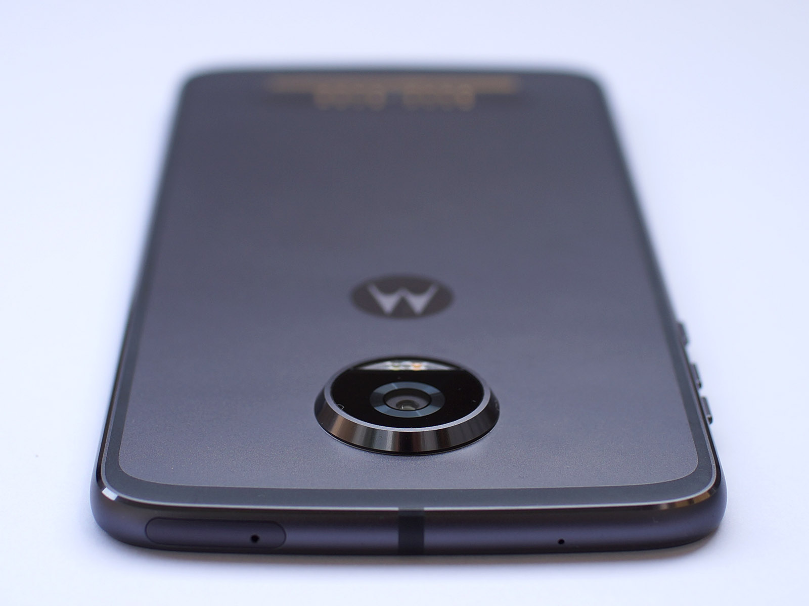 Обзор Moto Z2 Play: долгожданное обновление - 6