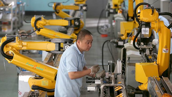 С 2013 года Китай является крупнейшим потребителем промышленных роботов