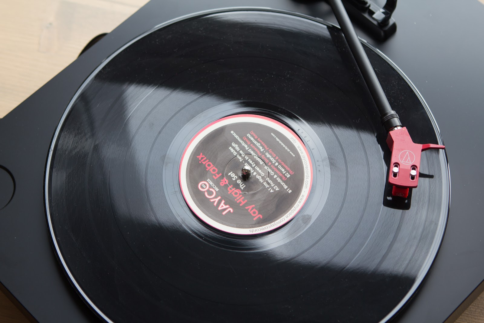 Господа, крутите винилы: проигрыватель Audio-Technica AT-LP3 - 21