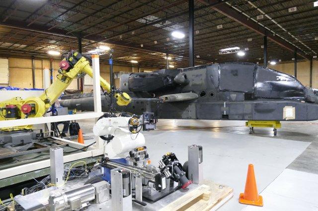 Армия США испытывает роботизированные заправочные станции для вертолетов