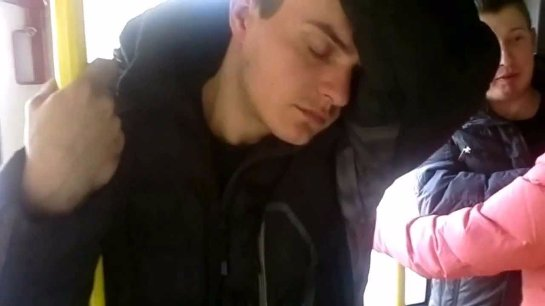 Ученые рассказали, почему сон стоя недоступен для человека