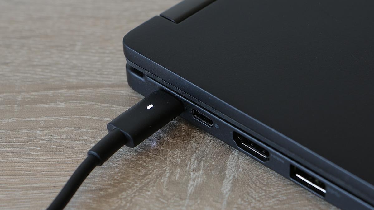 Dell Latitude 5289: долгоиграющий и компактный ноутбук-транcформер - 20