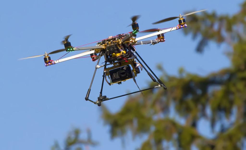 Семейная пара ученых разработала систему, которая не даст вышедшему из строя дрону упасть вам на голову - 2