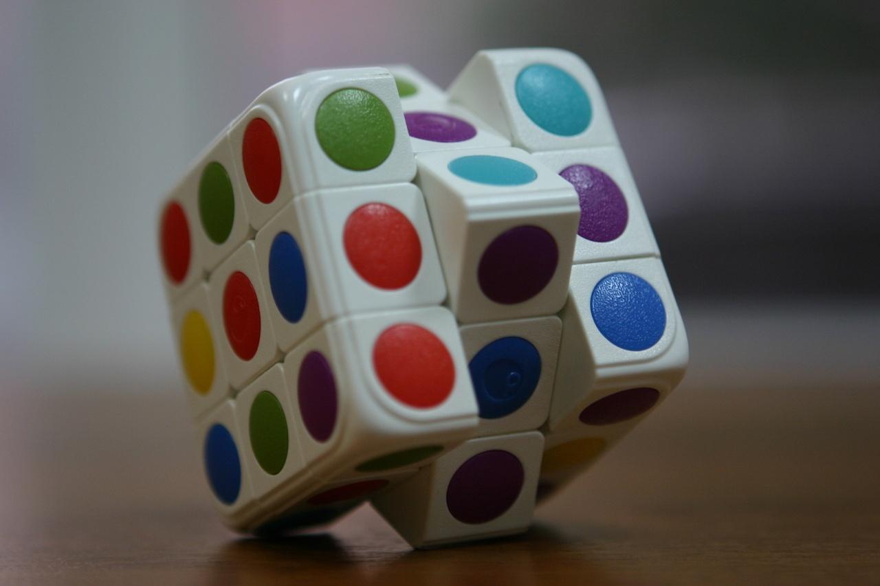 Умный кубик Рубика: теперь и он «синхронизируется» со смартфоном - 4