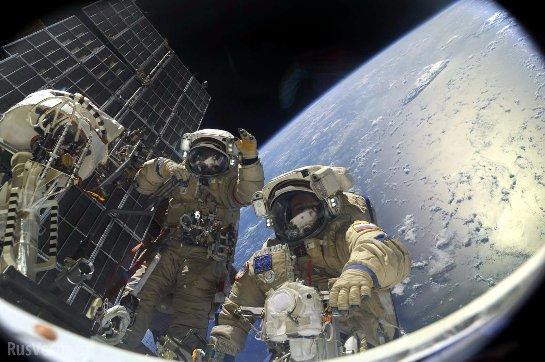 Сотрудники НАСА рассказали, почему астронавты не выходят в открытый космос активнее