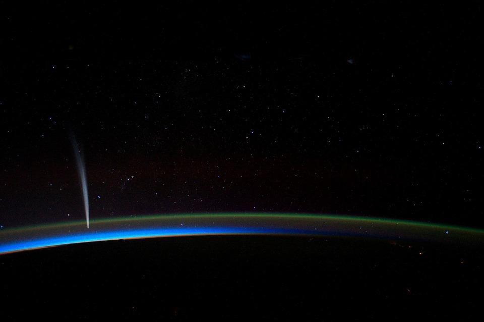 Спросите Итана: можно ли считать тёмные кометы самой опасной угрозой для Земли? - 2