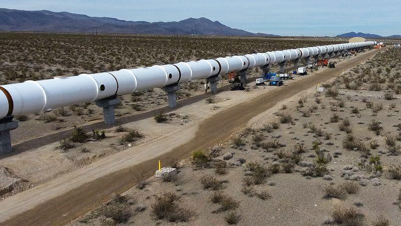 Илон Маск хочет создать собственный Hyperloop - 3