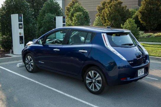В Сеть просочились фото Nissan Leaf