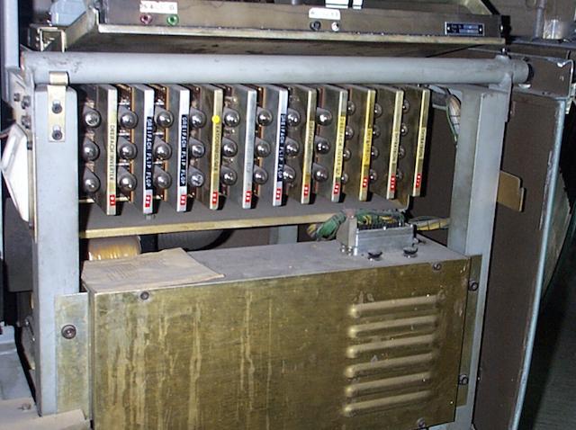 Первые персональные вычислительные машины: LPG-30, Bendix G-15 - 9