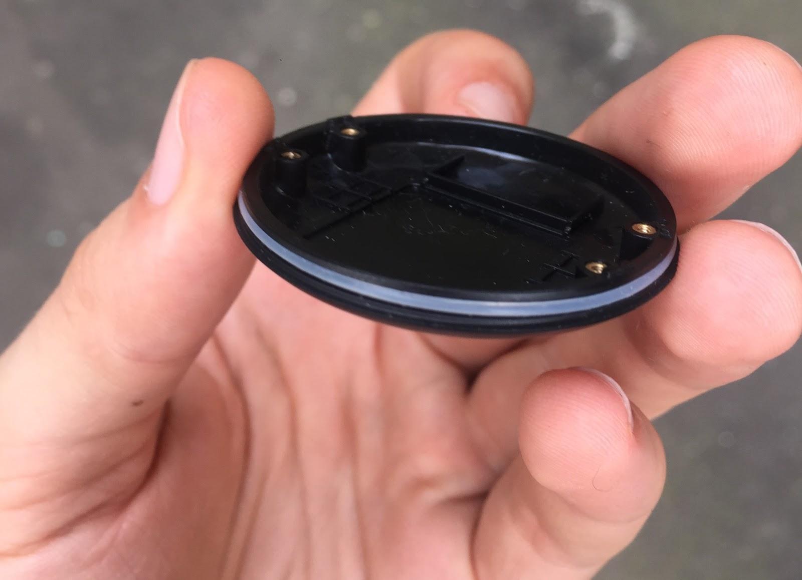 Кастомная GPS-антенна, SIM-чип, процессор и 8Мб памяти: из чего сделан умный собачий ошейник Mishiko - 9
