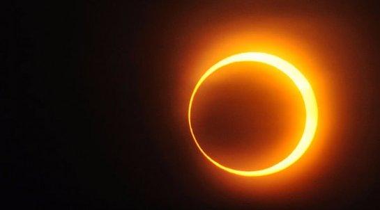 Британские ученые объяснили, почему нельзя смотреть на затмение Солнца через телескоп