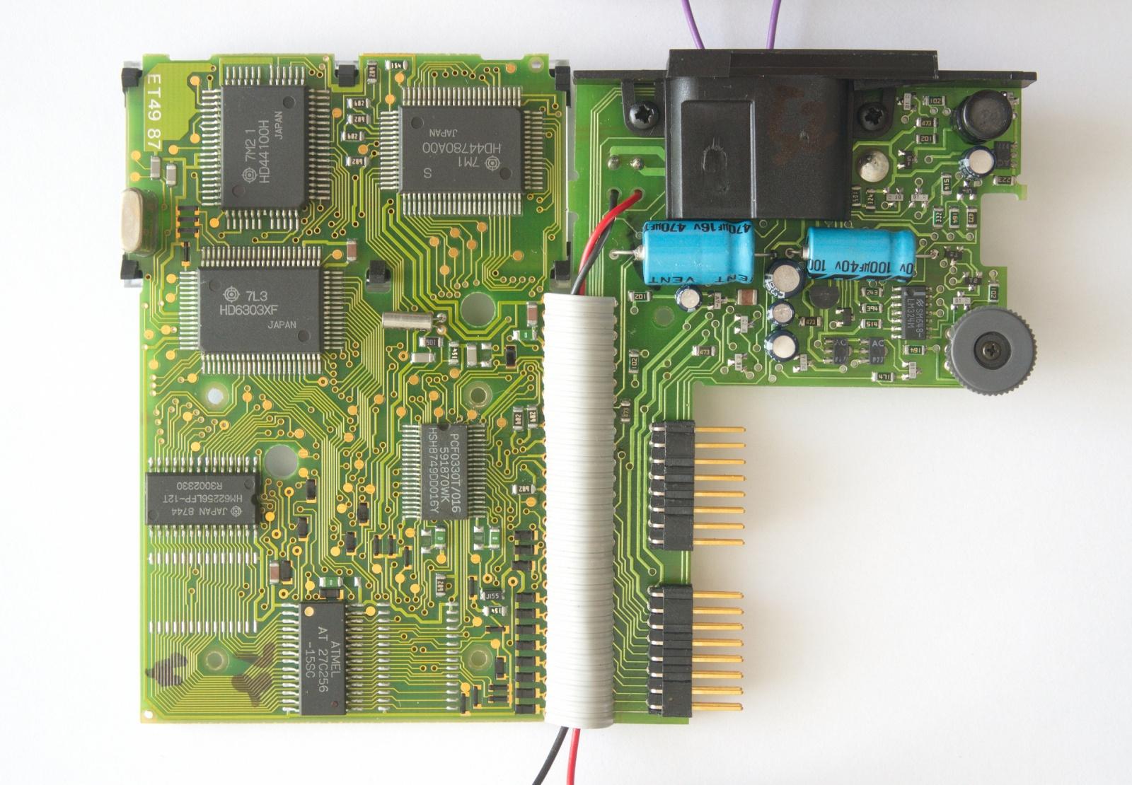 Обзор Psion Organiser II XP с внутренностями и Тетрисом