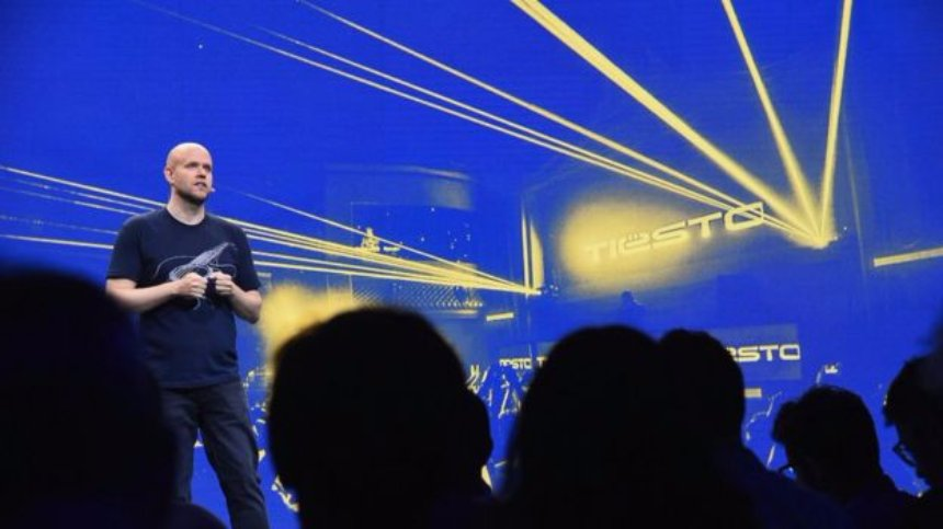 Spotify подписывает важную сделку Warner Music