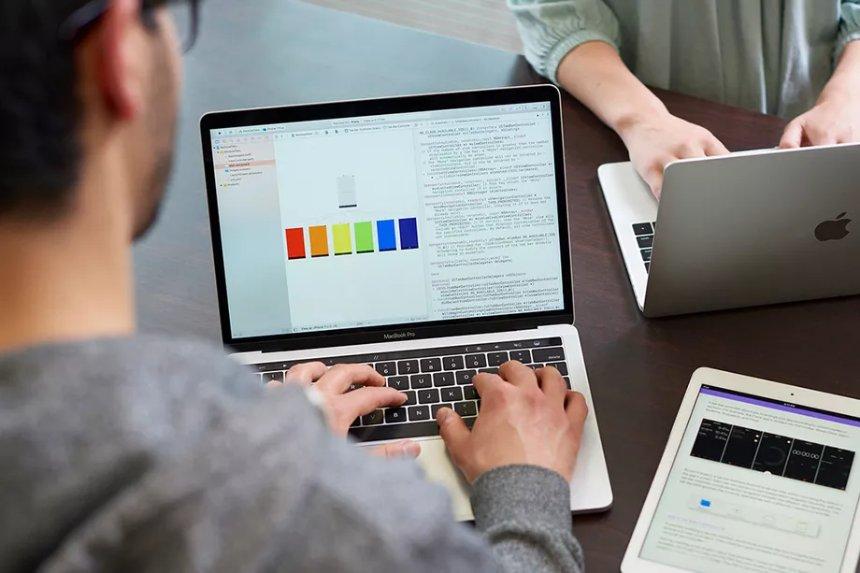 Многие колледжи будут преподавать язык программирования Swift от Apple