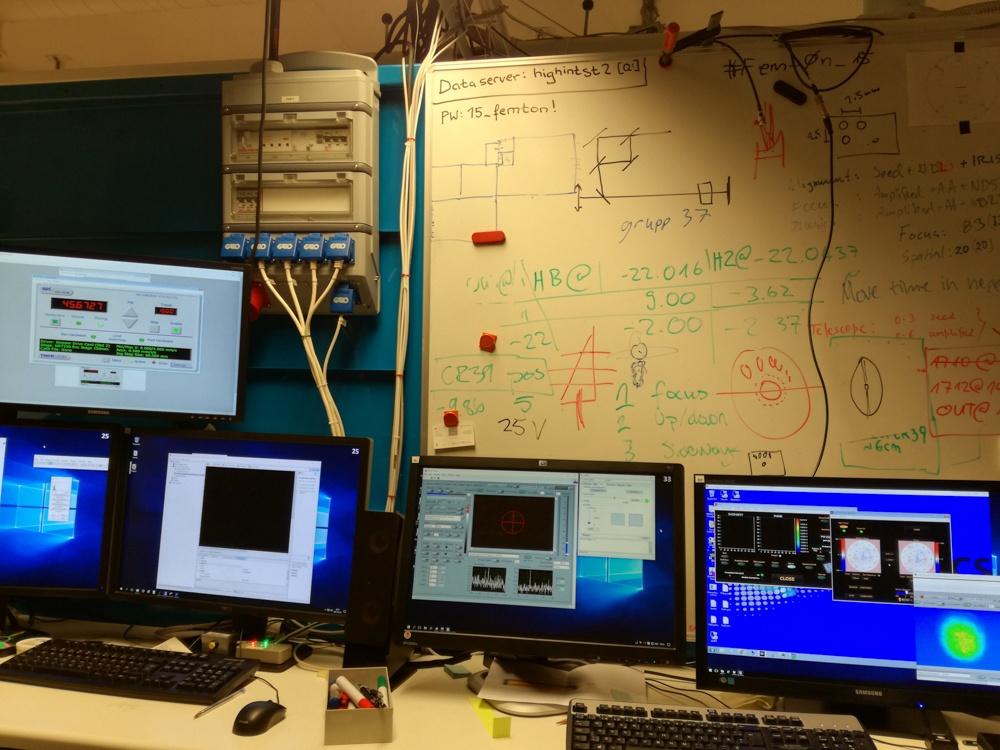 Ускорение протонов лазером из кусочка фольги - 10
