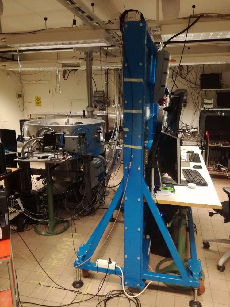 Ускорение протонов лазером из кусочка фольги - 9