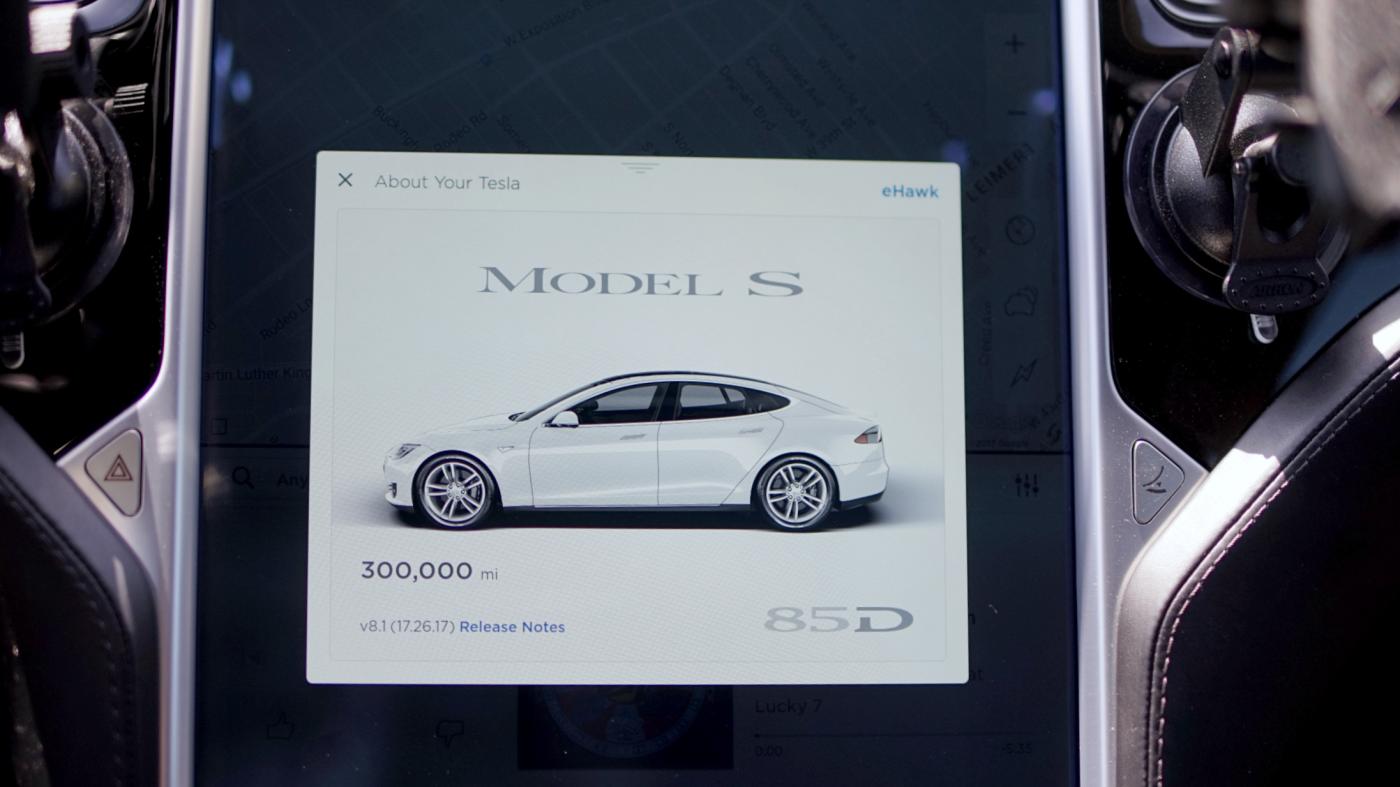 300,000 миль на Tesla Model S - 1