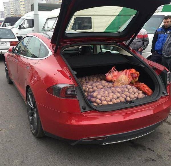 Лукашенко протестировал Tesla Model S и распорядился создать электромобиль по этому образцу - 5