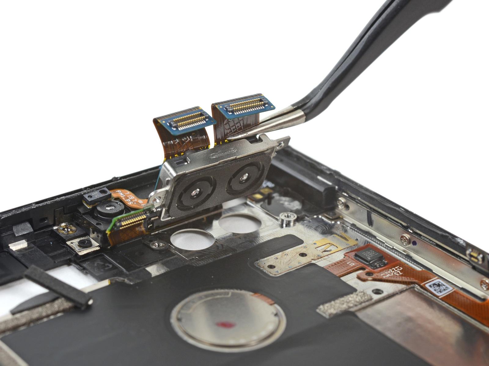 Телефон от создателя Android получил 1 балл из 10 по шкале ремонтопригодности iFixit - 6