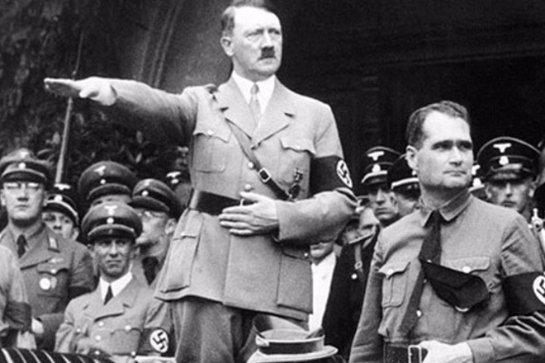 Историки доказали, что Гитлер был увлечен сатанизмом