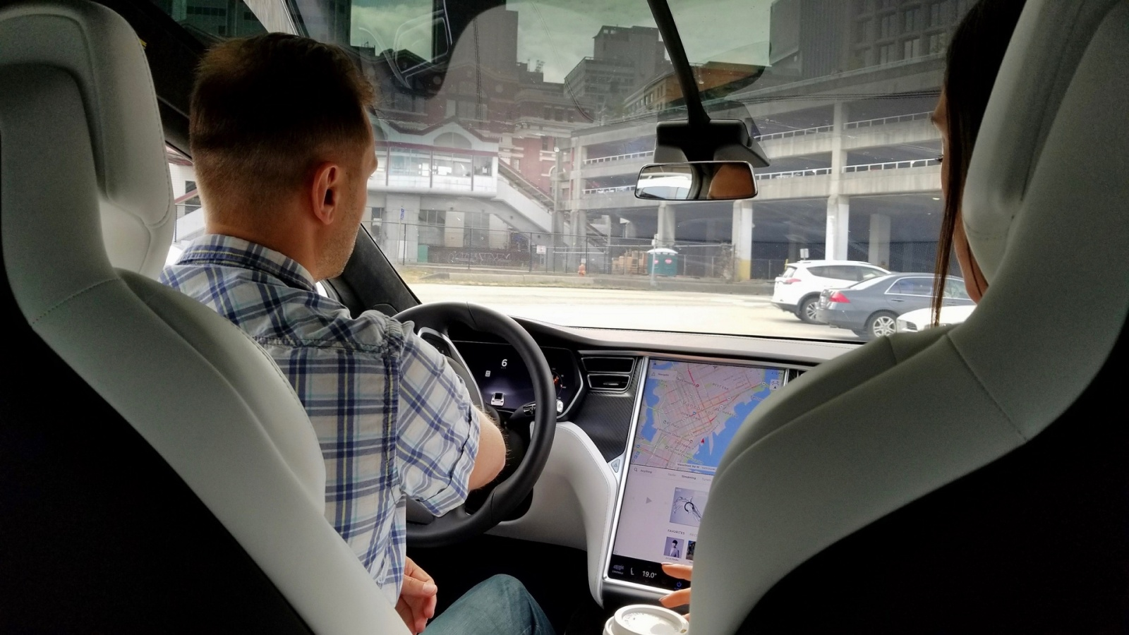 Тест-драйв Tesla Model X - 1