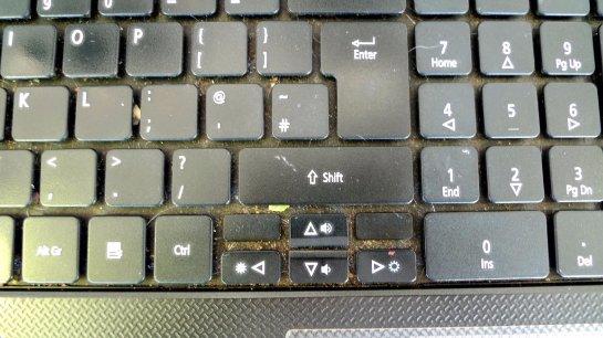 Грязная клавиатура плохо влияет на глаза