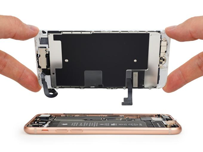 iPhone 8: вялые продажи, 6 баллов по шкале ремонтопригодности iFixit - 4