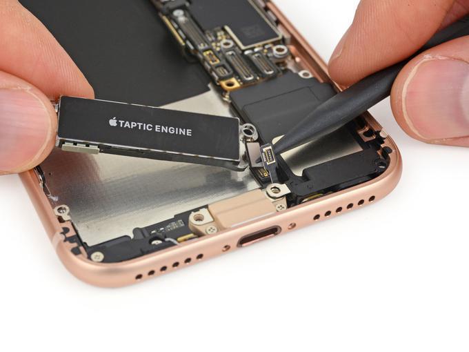 iPhone 8: вялые продажи, 6 баллов по шкале ремонтопригодности iFixit - 6
