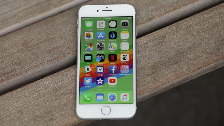 iPhone 8: вялые продажи, 6 баллов по шкале ремонтопригодности iFixit - 1