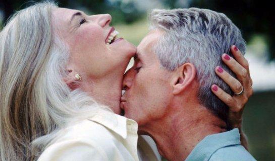 Супруги живут дольше, если заботятся друг о друге