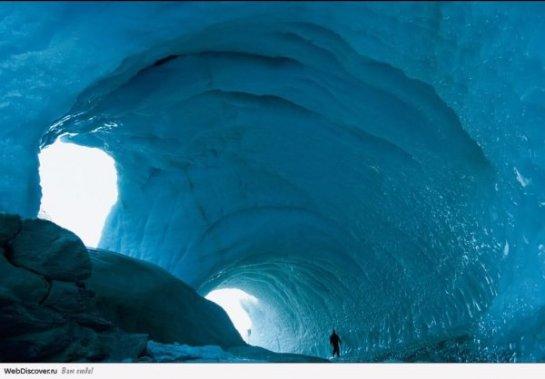 В Антарктиде нашли теплые пещеры