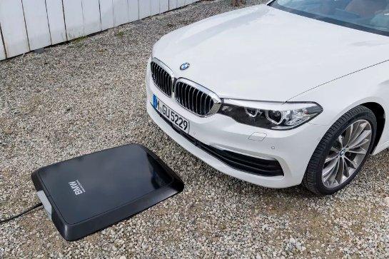 BMW создаст специальную панель для беспроводной зарядки вашего автомобиля