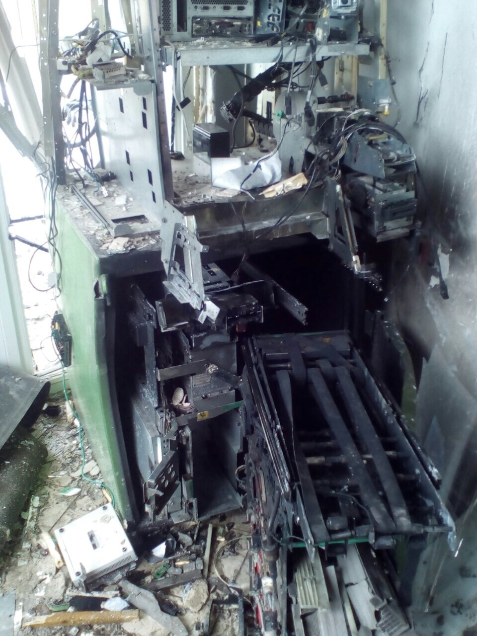 Как мы банкоматы от подрыва спасали - 3